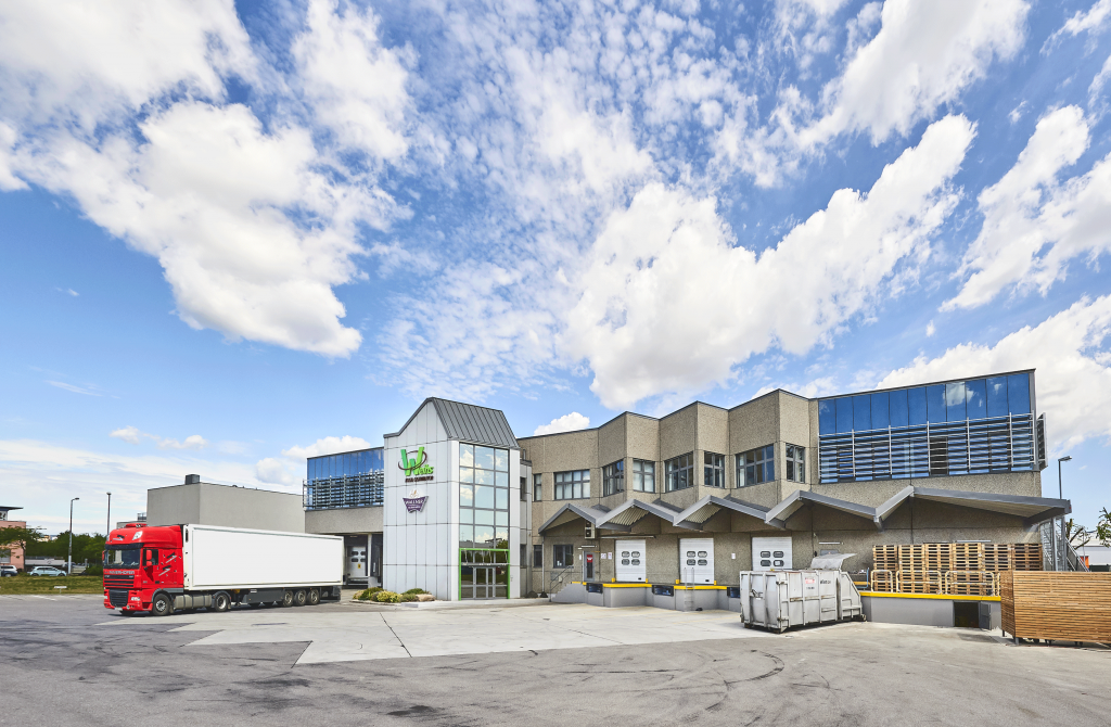 Size of warehouse increased by 900 m²